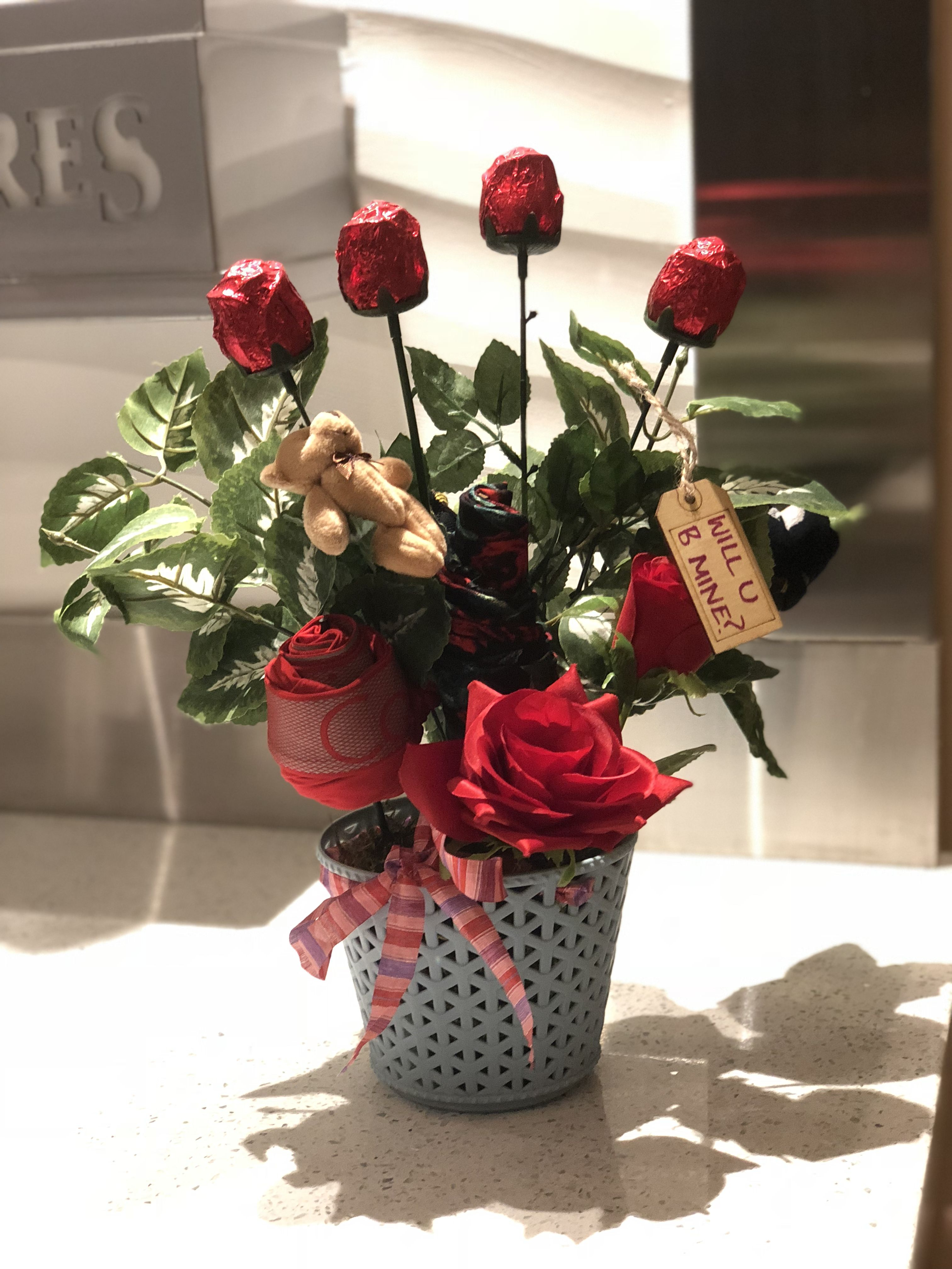 Mens Valentines Day Bouquet Loaded With Rose Chocolates Undies