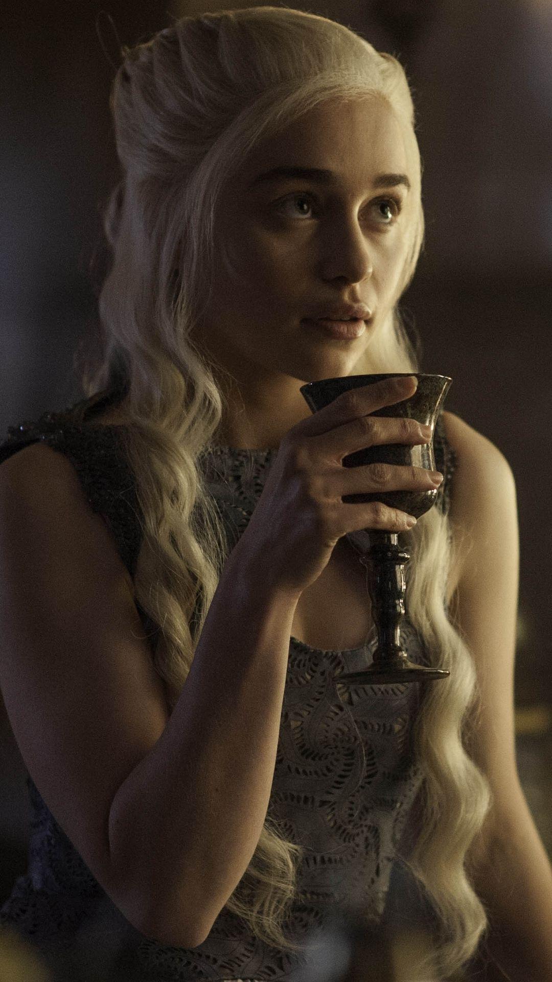 1080x1920 94 Daenerys Targaryen Apple Iphone 6 750x1334 Wallpapers Mobile Daenerys Targaryen Wallpaper Game Of Throne Daenerys Emilia Clarke