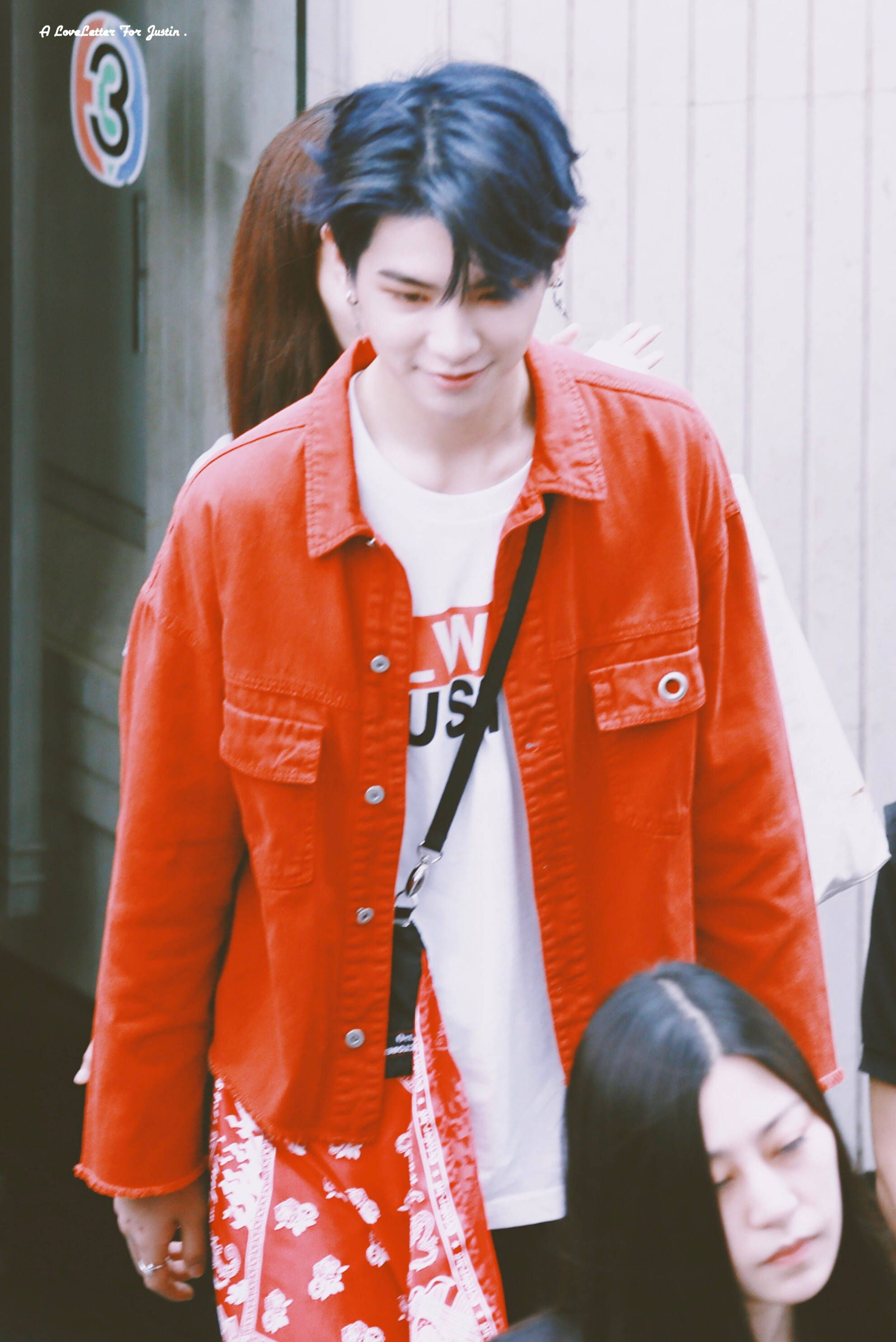 Justin黄明昊 180714 🇹🇭 Red leather jacket, Leather jacket