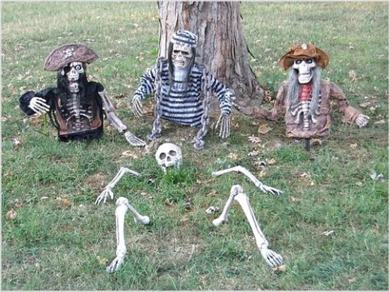 40 Best Outdoor Halloween Decorations - Page 9 of 40 Holiday ideas