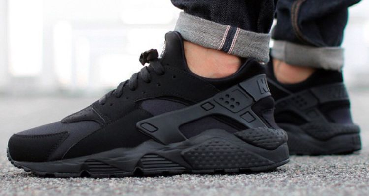 Black · All Black Nike Air Huarache 318429-003