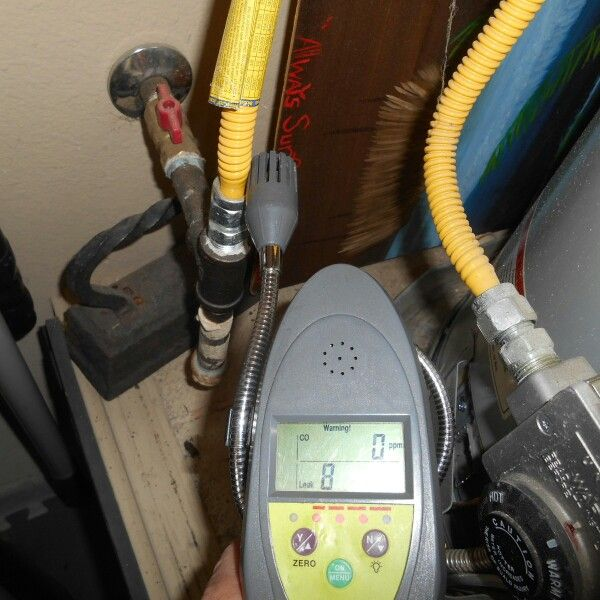 This Is A Huge Gas Leak At A Water Heater In The Garage It Had A Very Strong Smell Even After Airing It Out Manufactured Home Home Inspection Home Appliances