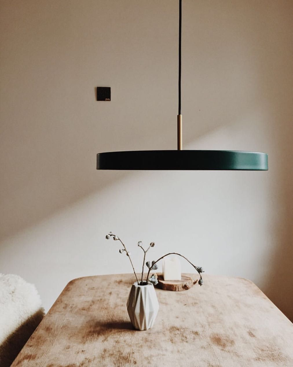 Minimale Esstisch Beleuchtung Von Vita Copenhagen Instagraminteriorchallenge Light Diningtable Dining Table Lighting Interior Design Living Room Decor
