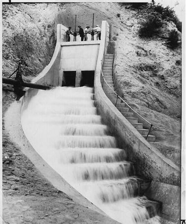 H A Van Norman Wearing Coat Opens Gates Of The Los Angeles Aqueduct Nov 5 1913 Http Www Usc Edu L St Francis Dam California History Los Angeles History