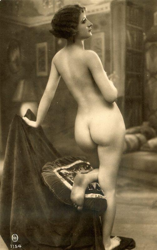 Postcard Nude 34