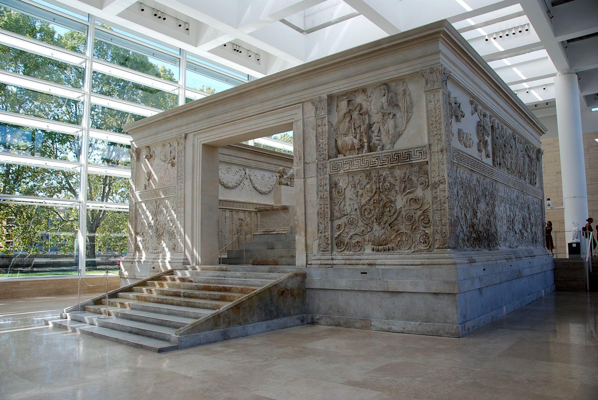 Ara Pacis Augustea; fine del I secolo a.C.; da una zona del Campo Marzio a Roma, al Museo dell'Ara Pacis