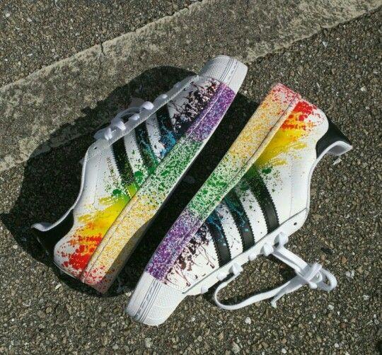 size 40 3d219 fbba4 Adidas superstar blanco y negro con manchas de pintura