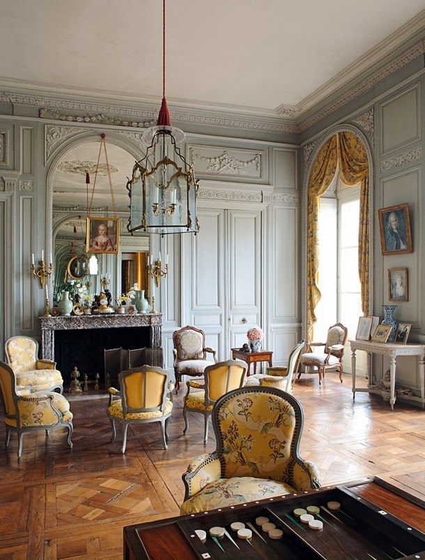 French Chateau Grey And Yellow Broche Silk Furniture Suites In Louis XV Era