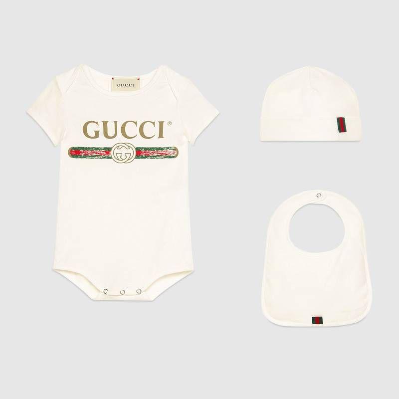0a2e5a6da2c7f Shop the Baby Gucci logo cotton gift set by Gucci. null
