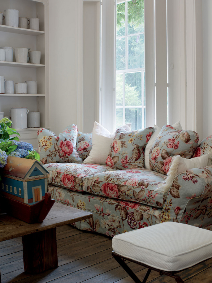 English Country, English Cottage, Ironstone, Floral Sofa, Floral Print Sofa,  Chintz, Updated English Country