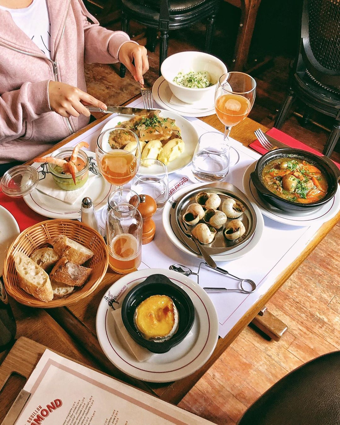 1 565 Likes 26 Comments Paris Restaurants Cafes