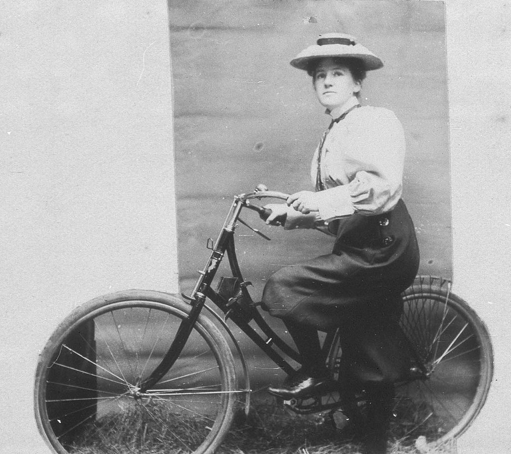 Glorious Vintage Photos Of Early Australian Bike Culture From The Beginning Of The 20th Century Bike Culture Bicycle Bike Riding Benefits