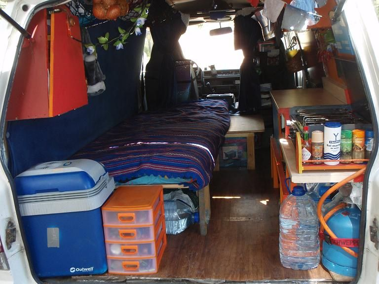 fourgon amenagee nissan vanette 1994 diesel 2300 bov pinterest van am nag fourgon. Black Bedroom Furniture Sets. Home Design Ideas