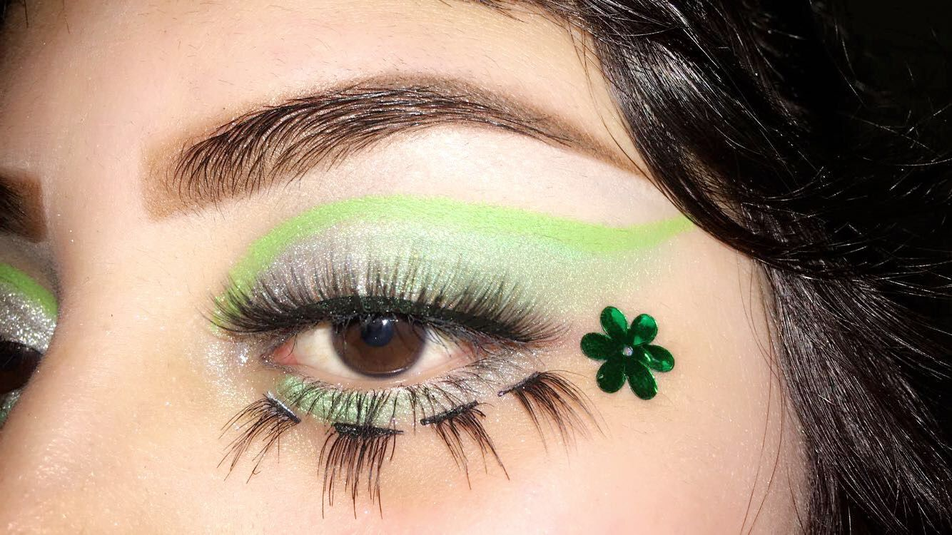 St Patricks Day Inspired Makeup Urban Decay Electric Palette Bottom