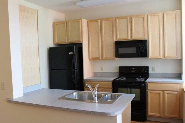 1025 470 Main Apartments Is Beautifully Remodeled Bank Building That Is Ideally Situated In The Center O Affordable Housing Affordable Apartments Luxury Homes