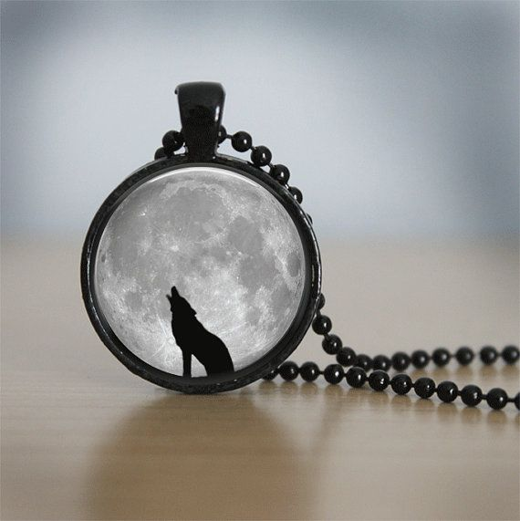 In vetro piastrelle collana lupo Collana Luna di bluerosebeadery