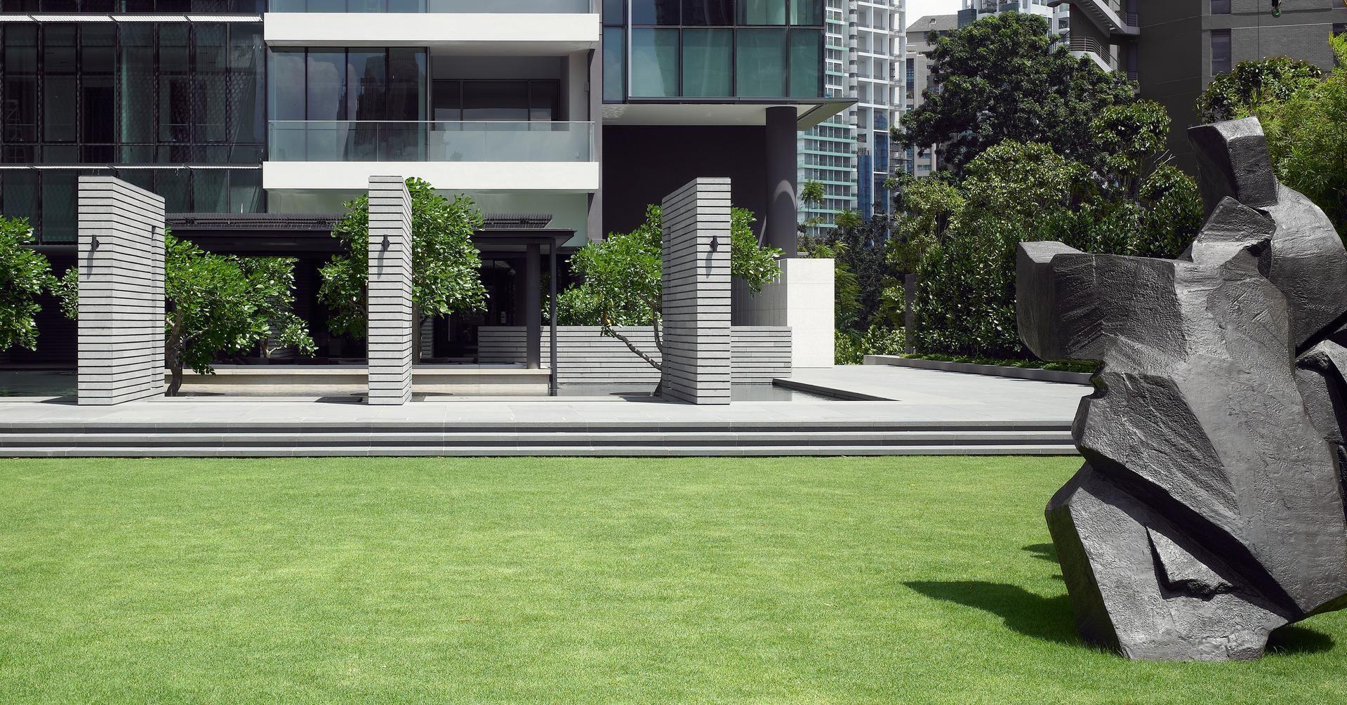 Cohen residence entry courtyard modern landscape houston by rh - Landscaping