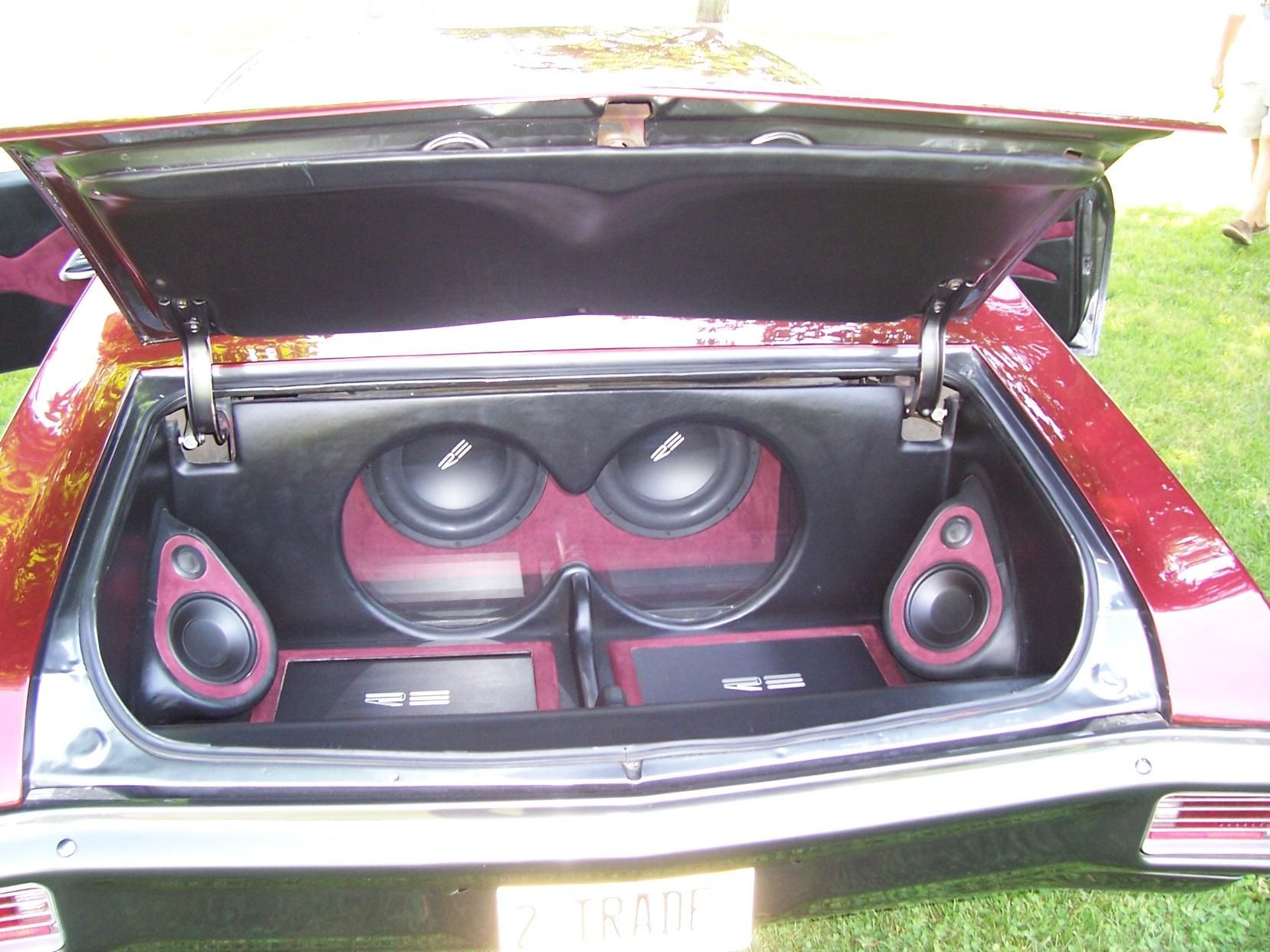 70 chevelle car audio install re audio fiberglass trunk plexiglass window subwoofers subs