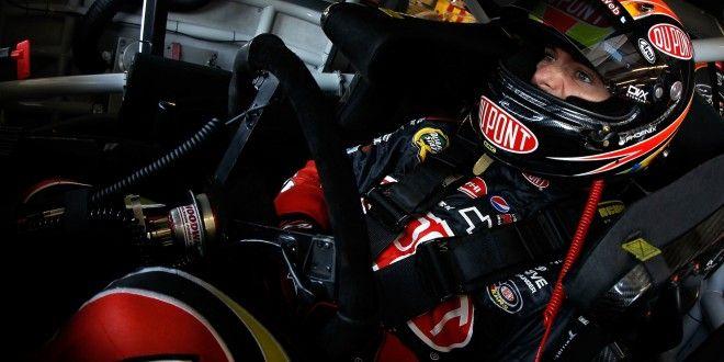 Un guasto al pedale dell'acceleratore ha messo fuori gioco Jeff Gordon, che non rinuncia a lottare per il titolo
