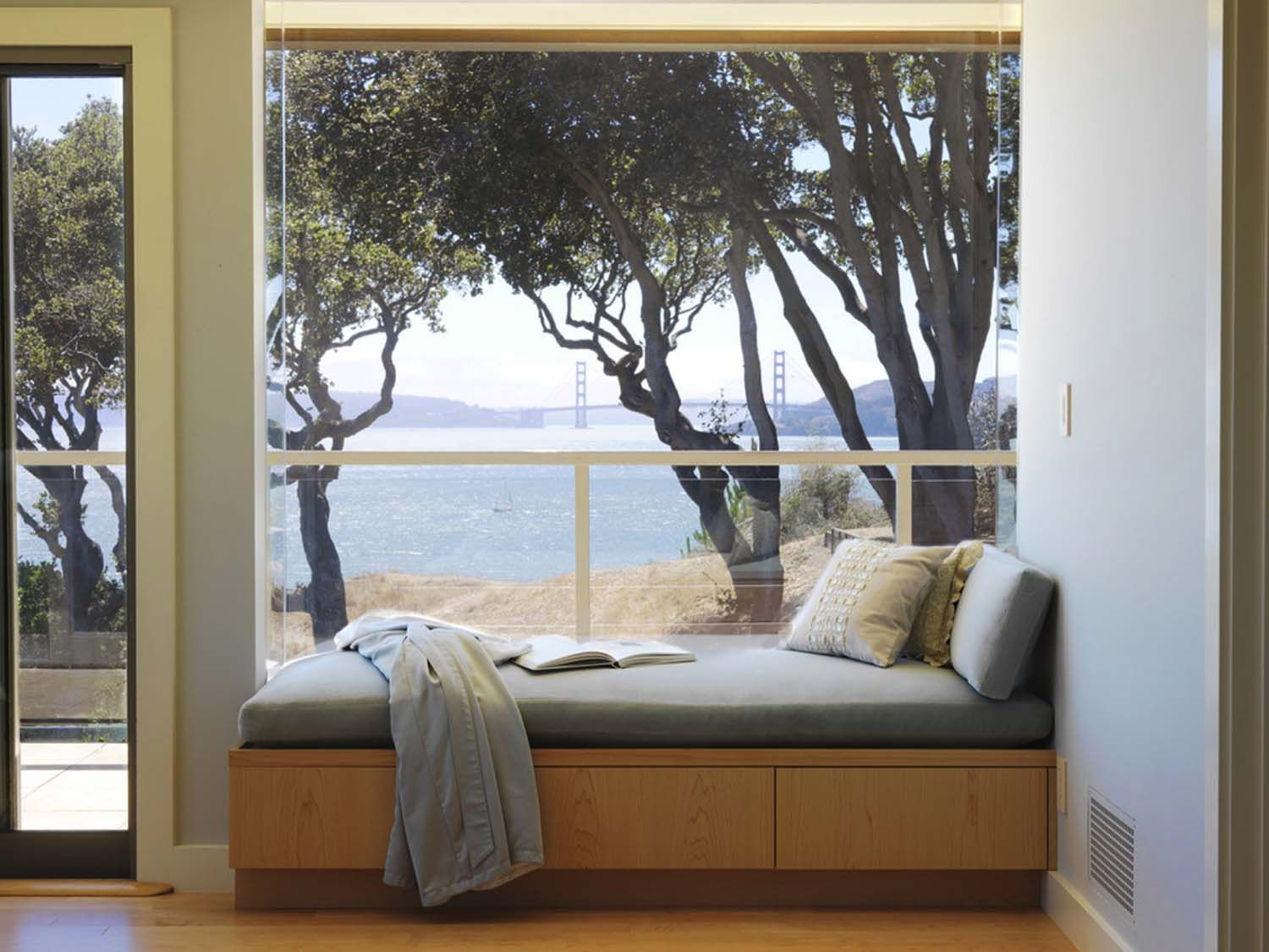 44 Window Nooks Framing Spectacular Views Window Seat Design Home Decor Bedroom My Ideal Home