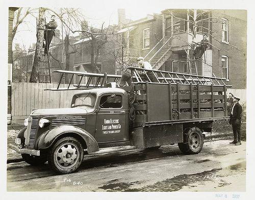 Photographs Of General Motors Cars And Trucks 1902 1938 General Motors Cars Trucks Gmc Trucks