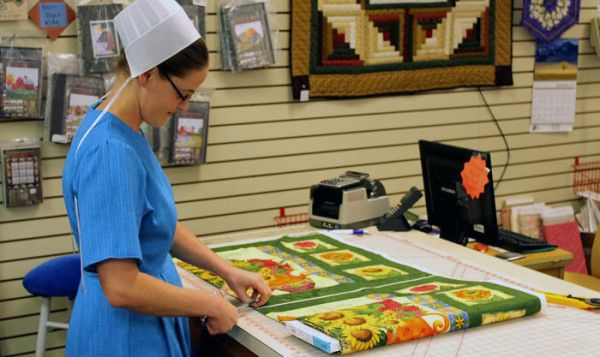 Helping Hands Quilt Shop — Berlin, Ohio | Our Amish Neighbors ... : amish quilt shops - Adamdwight.com