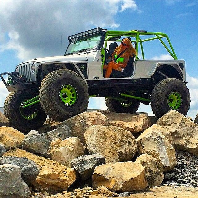 This is pretty awesome watching a #jeepgirl craw over some rocks. Shout out to @tttankgirl for the pic. #tj #jeep #jeeps #jeepgirls #likeaboss #JEEPFLOW