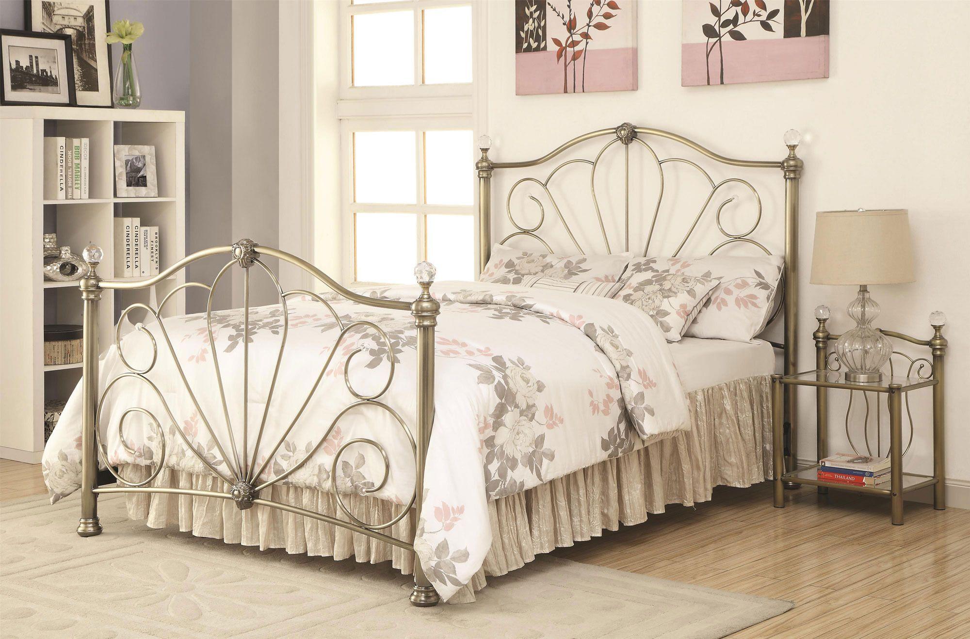 Lemoore Queen Metal Bed w/ Crystal Posts Fine bedroom