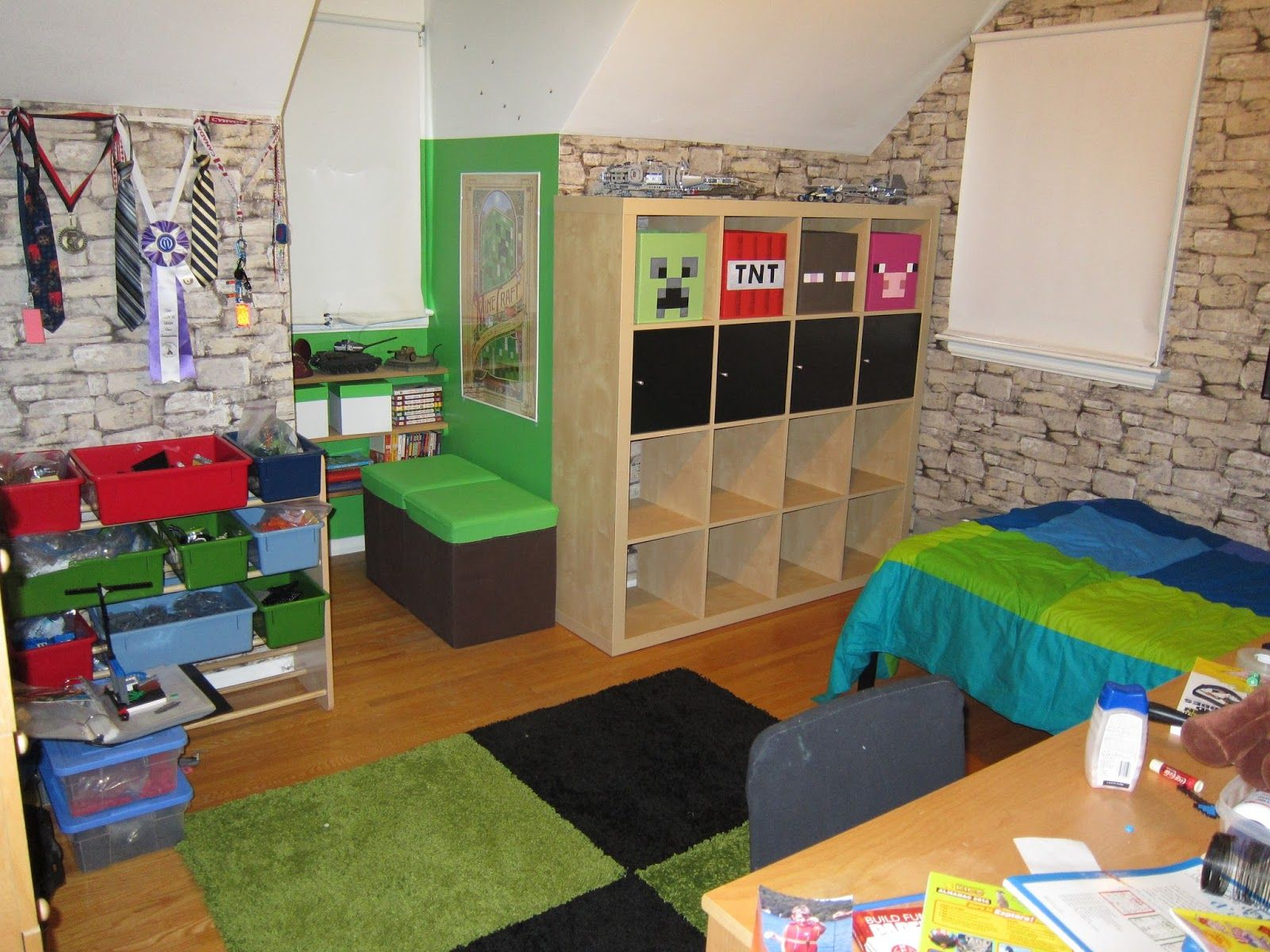 Minecraft room decor in real life google search for Minecraft lounge ideas