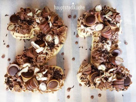 Kein Geheimnis mehr ums Alter machen: Numbercake | hauptstadtküche | Rezept | Lecker | Kuchen | Zahlenkuchen | Kuchen-Trend | Schokolade | Schokoladenkuchen | Geburtstagskuchen | Birthdaycake | Chocolatecake | Foodblog | Foodblogger | Foodphotography #amazingcakes