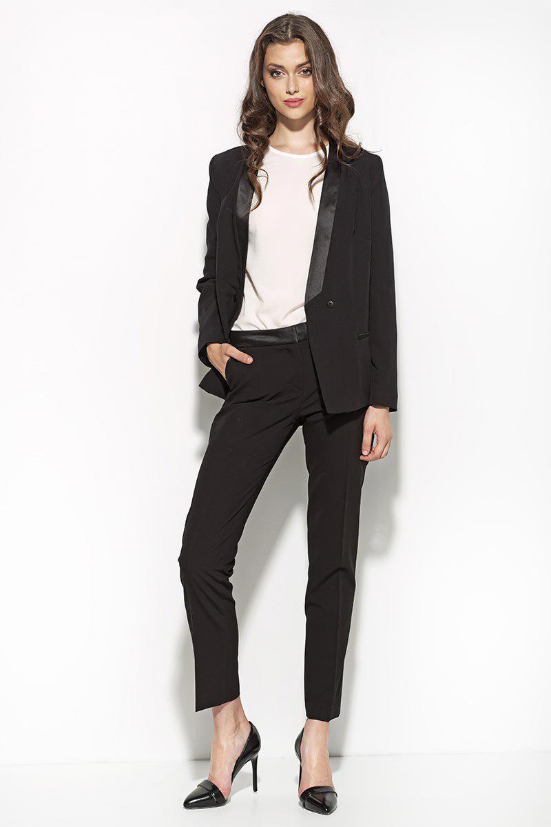 15 basiques indispensables votre garde robe les conseils mode tailleur tailleur pantalon. Black Bedroom Furniture Sets. Home Design Ideas