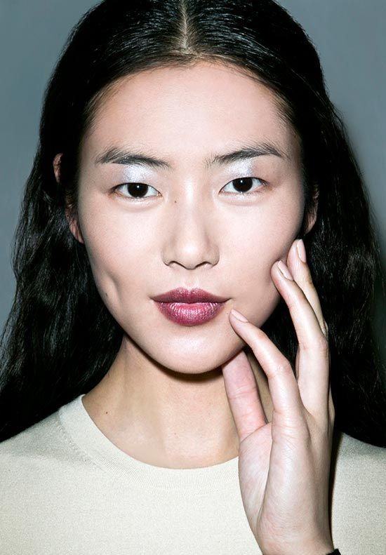 metallic eyes and wine lips at derek lam fall 2013 make up pinterest makeup. Black Bedroom Furniture Sets. Home Design Ideas