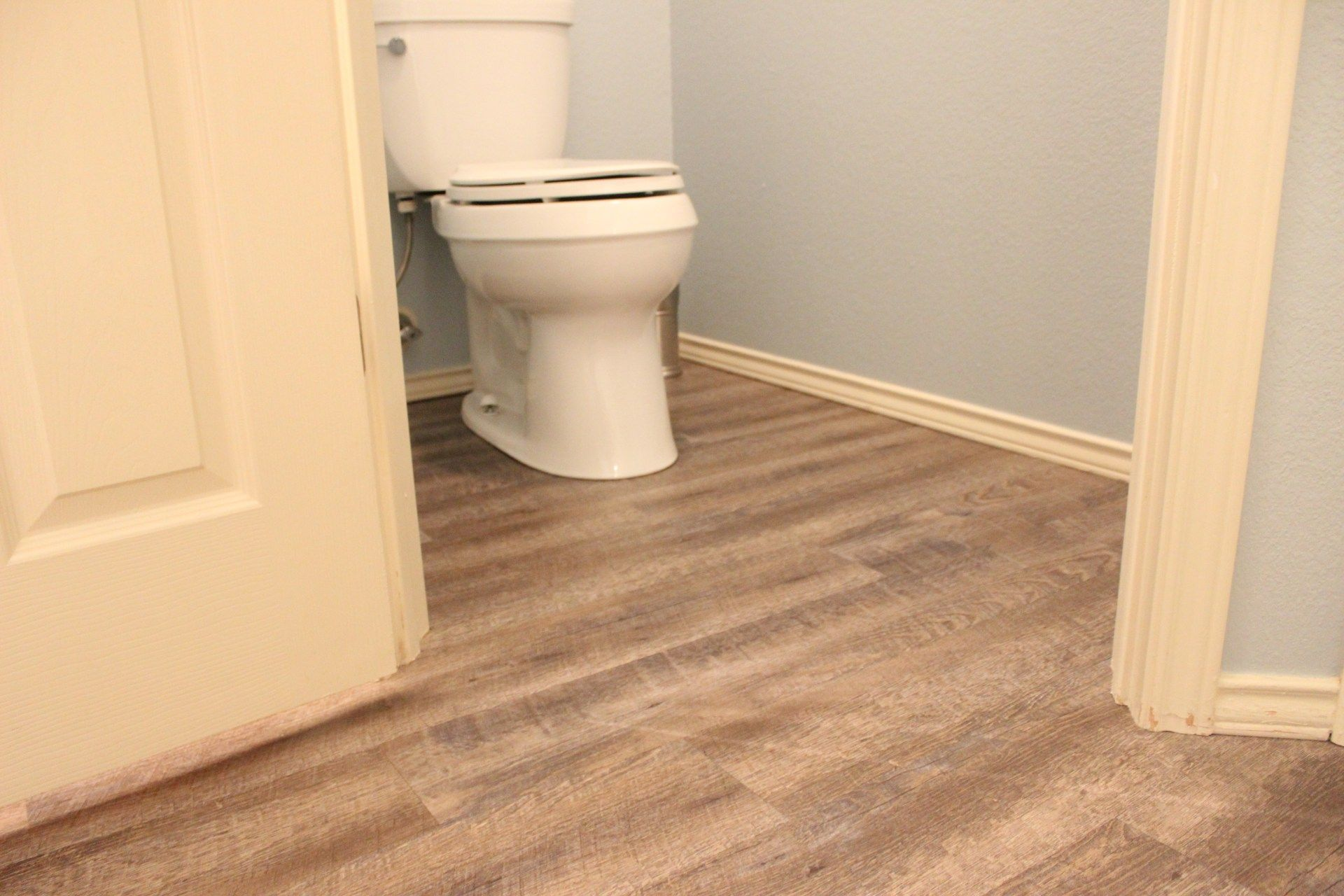 L And Stick Vinyl Flooring Is A Easy Way To Bring New Life An Outdated Space Follow These Tips For Installation Beautiful Results