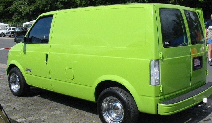 Chevroletastrocargovan Is A Minivan That Has A 3 Door Body Style With Front Engine シボレー アストロ アストロ