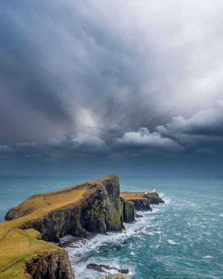 Photography Locations Skye - Neist Point Isle of Skye  Scotland Travel Destinations   Scotland Honeymoon   Backpack Scotland   Backpacking Scotland   Scotland Vacation   Scotland Photography   Europe Budget Bucket List Wanderlust #travel #honeymoon #vacat