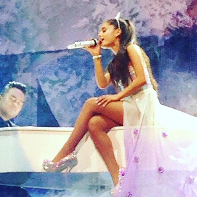 Ariana grande concert one year ago. @ziggodome Amsterdam ❤️