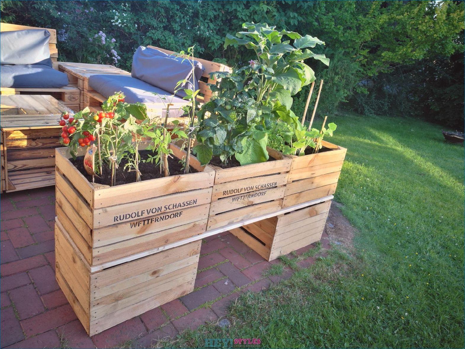Build A Raised Bed Of Fruit Crates And Wine Crates Yourself Build Crates Fruit Raised Yourself Garden Boxes Diy Vertical Garden Diy Diy Trellis