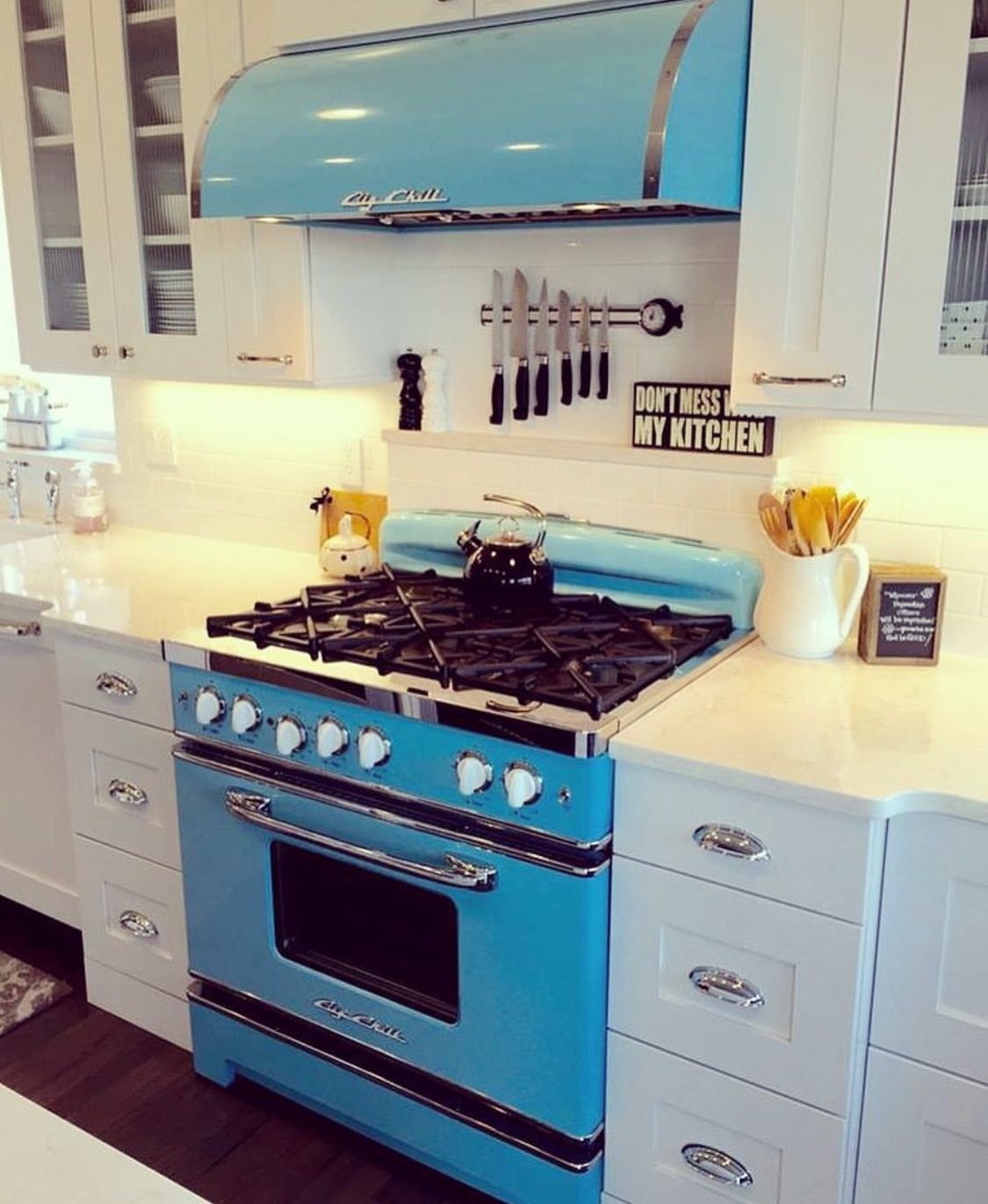 pin by sam guthrie on aquas teals turquoise retro kitchen cool kitchen appliances rustic on kitchen appliances id=31007