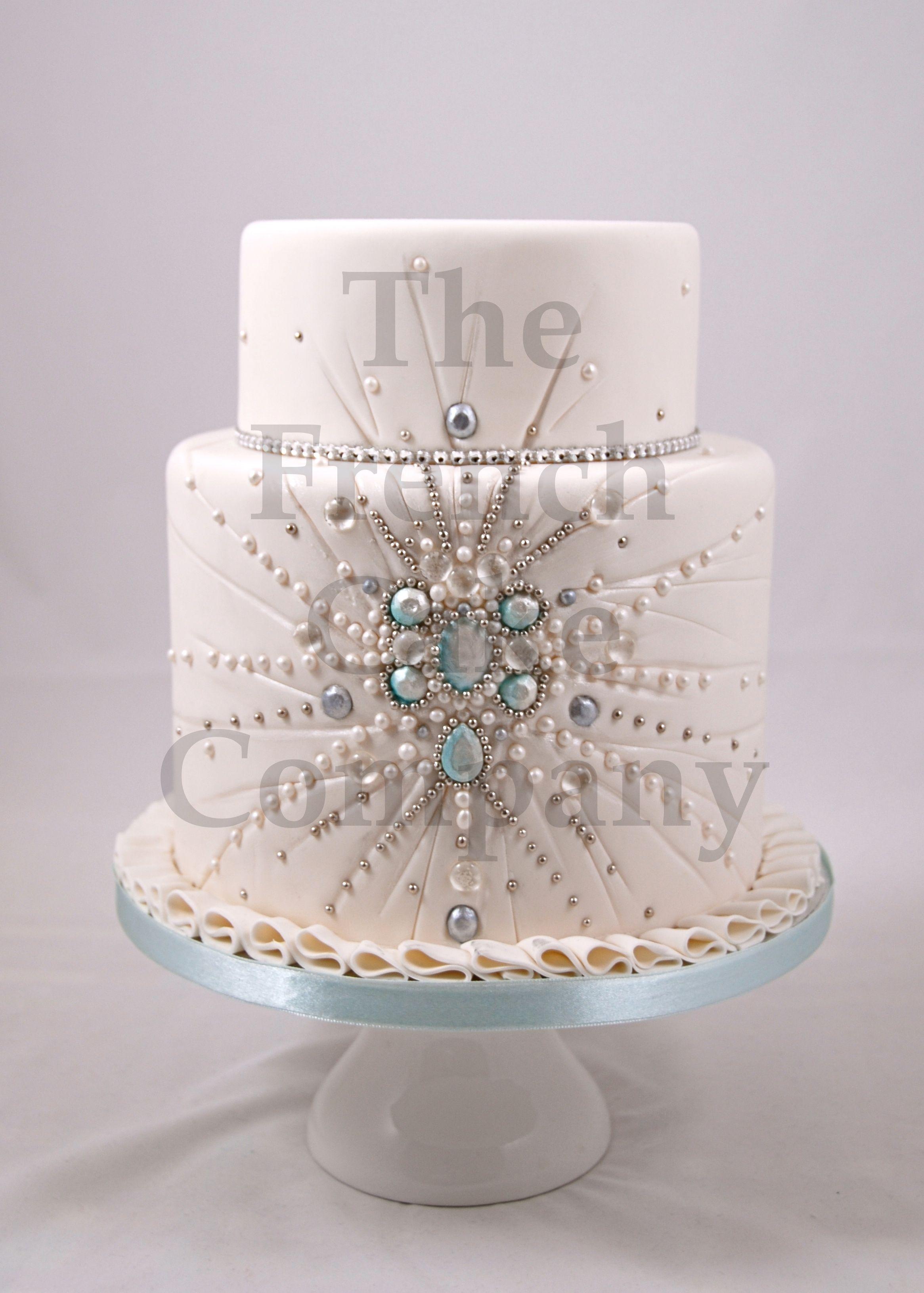Wedding cake pearls piece montee mariage perles for Piece montee decoration