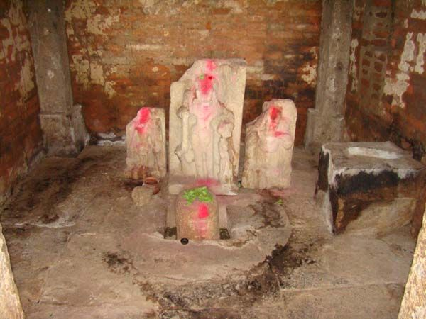Indralath temple- Presiding deity with loose sculptures