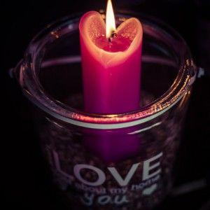 Rakkautta ilmassa, ainakin sydänkynttilöiden muodossa <3  #love http://www.salonsydan.fi/tuote-osasto/kynttilat/
