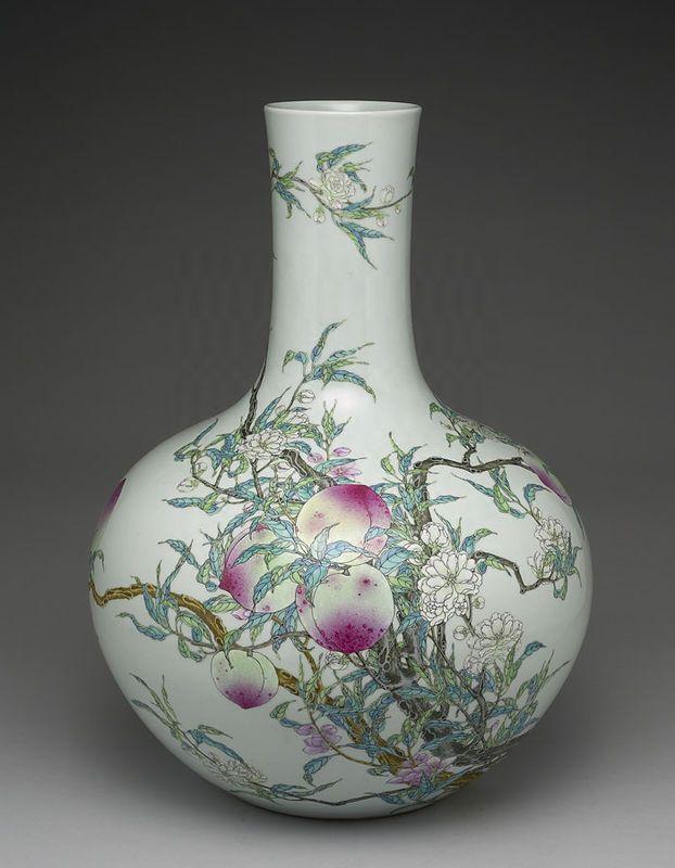 Qing+Dynasty+Vase.jpg 622×800 pixels