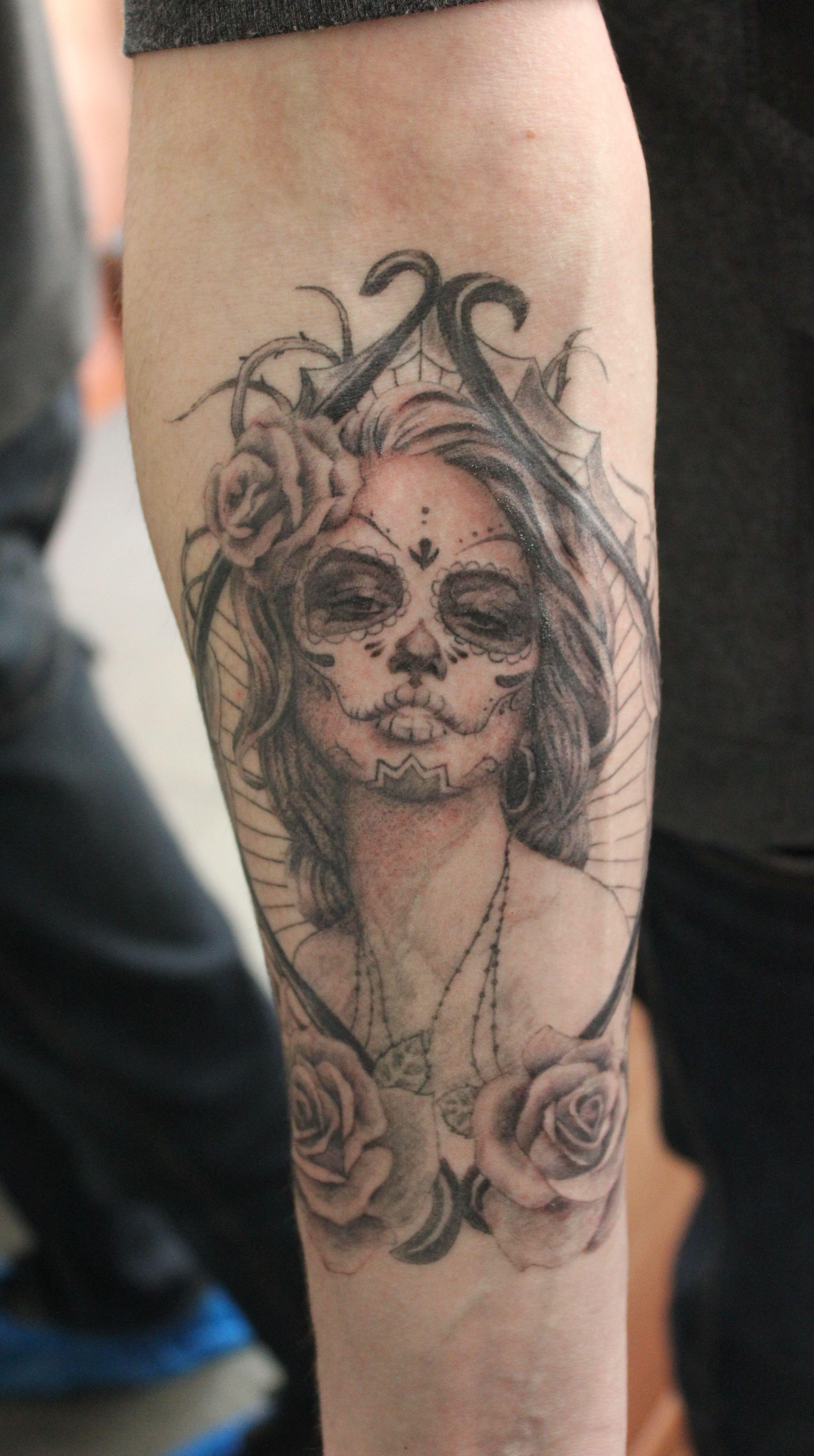 Santa muerte black and gray tattoo calavera pinterest black and gray tattoo izmirmasajfo