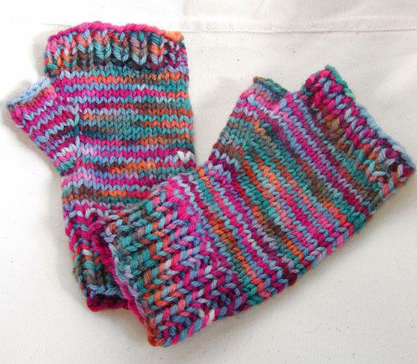 midnight knitter - potluck mittens - free mitten pattern   Kneat ...