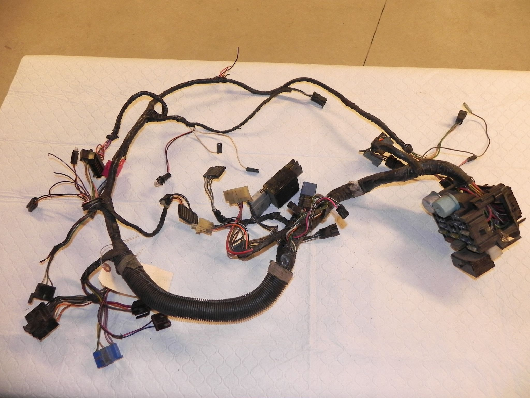 medium resolution of jeep wrangler yj under the dash wiring harness 1987 1991 parts only