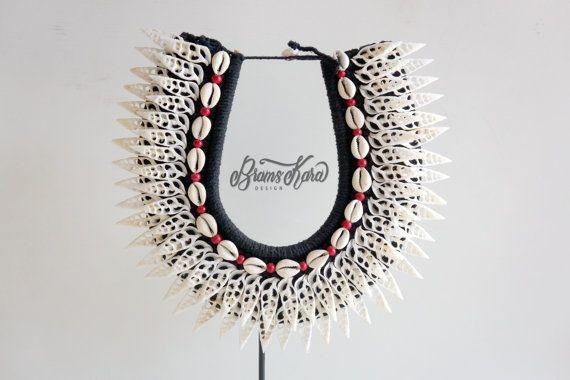 Collier de Papouasie 10USD livraison dans le monde avec véritable coquillage, plume décoratif, décor
