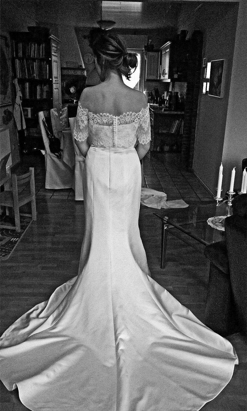 Satin-Brautkleid: schlichtes, aber sehr elegantes Satin-Kleid mit ...