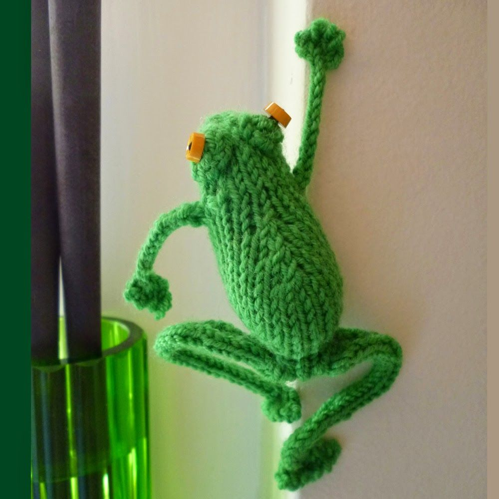 dot pebbles - frog pattern on Ravelry | Knitted toys free ...