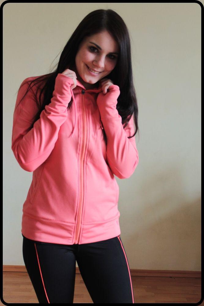 Strój do biegania / na fitness. W jakich ubraniach ćwiczyć?