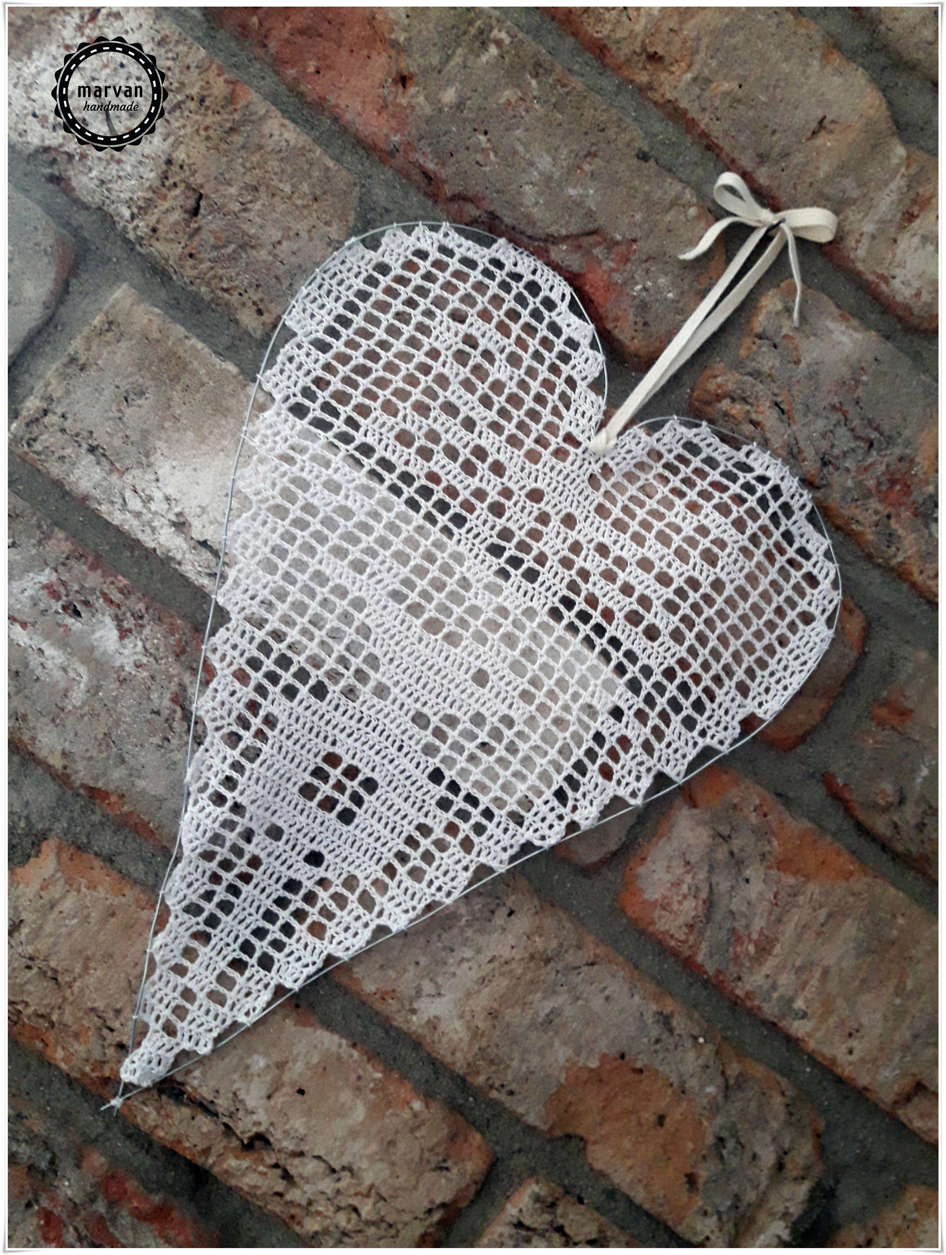 Filetove Srdiecko Filet Crochet Heart In 2020 Filet Crochet Crochet Crochet Heart